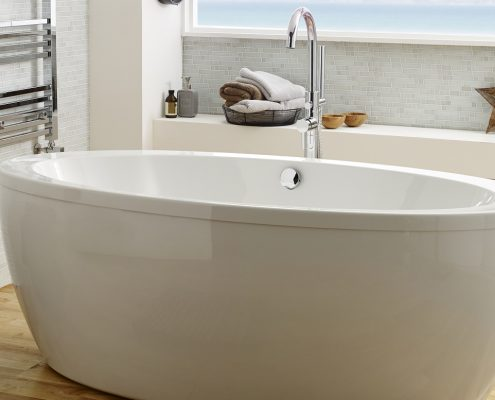 white oval bathtub