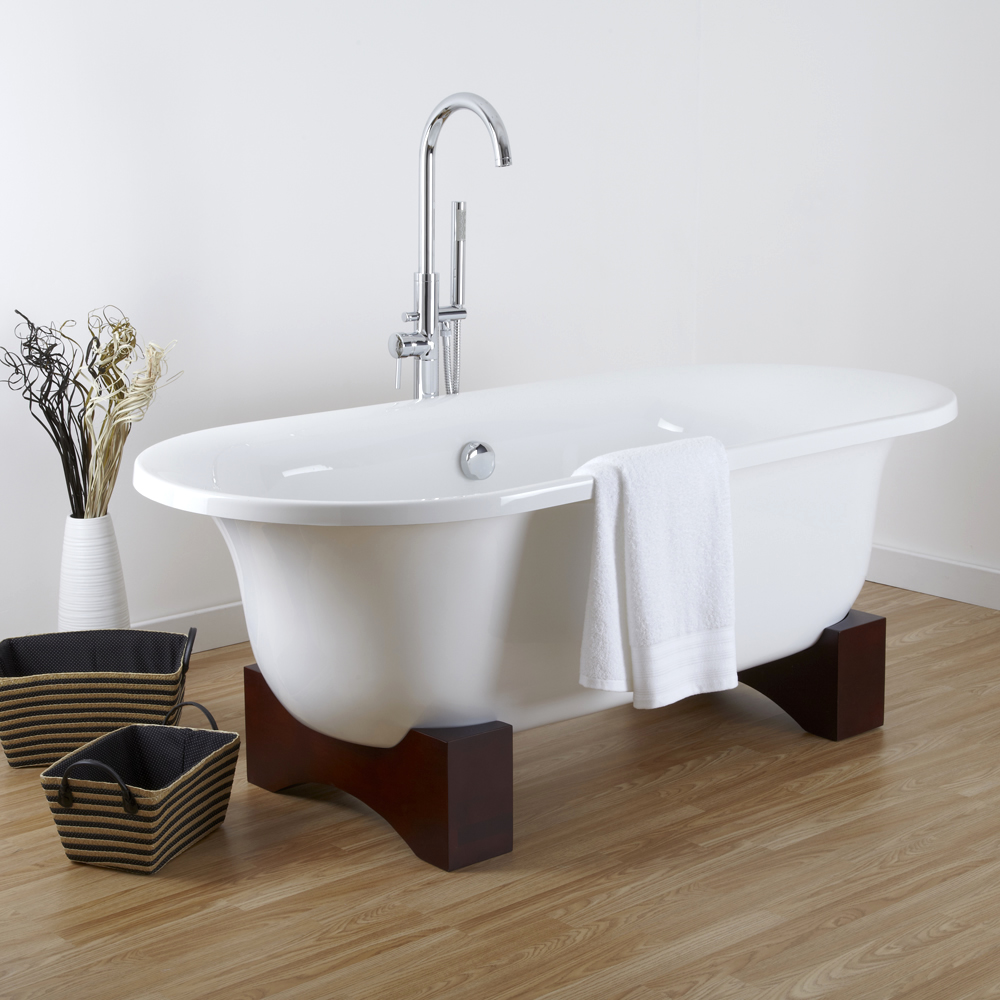 """Oval Roll Top Freestanding Tub with Wooden Feet 70"""""""