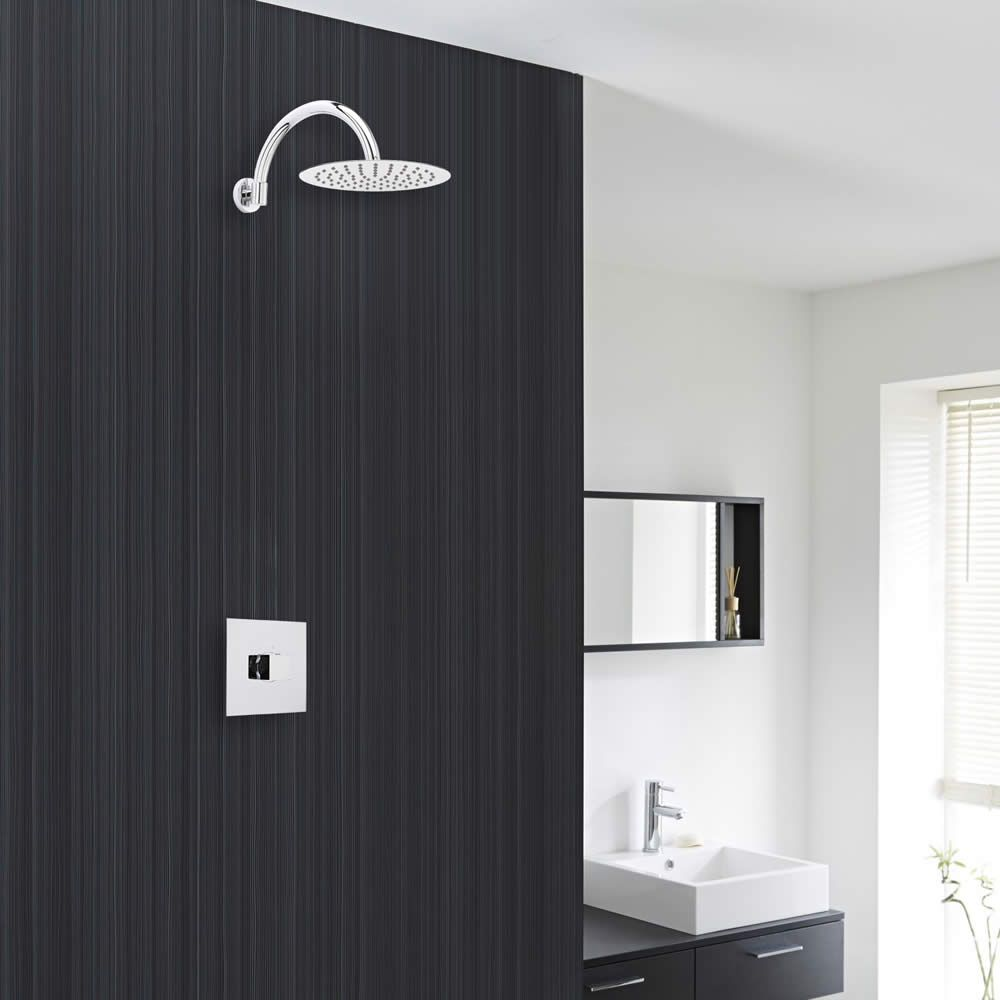 Valquest Chrome Shower System with 8\
