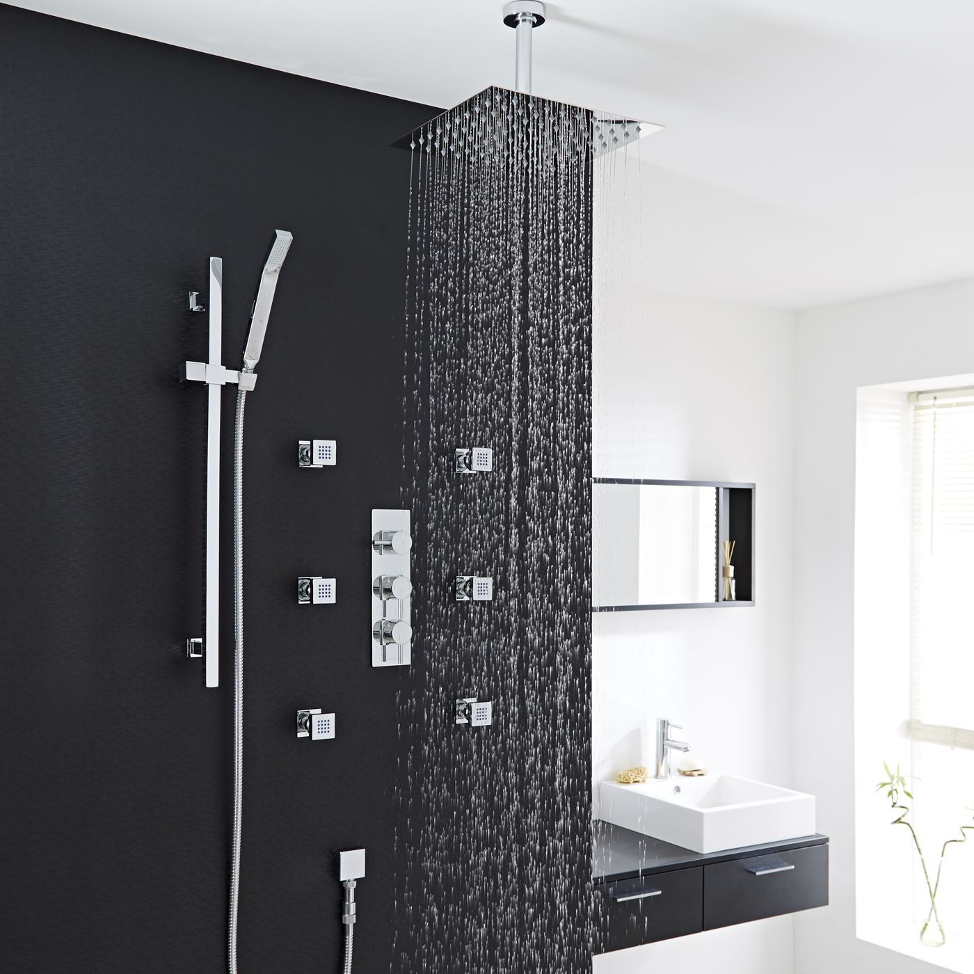Quest Thermostatic Shower System with 12\