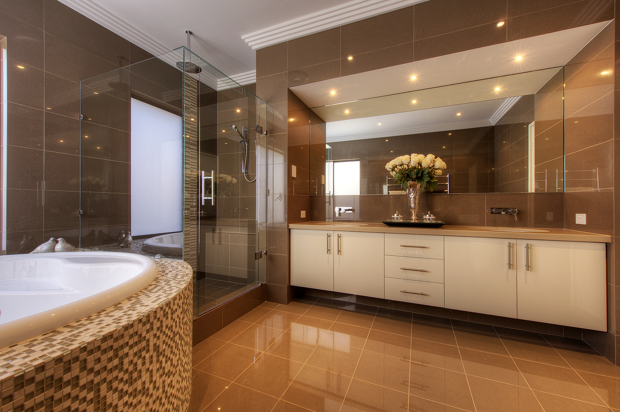 Luxury Bathroom Features You Need In Your Life - Luxurious bathrooms