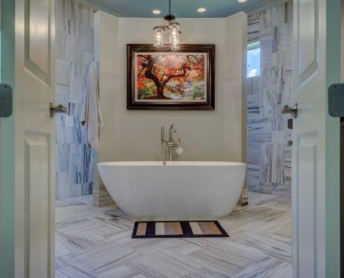 an image of a ceramic bath tub